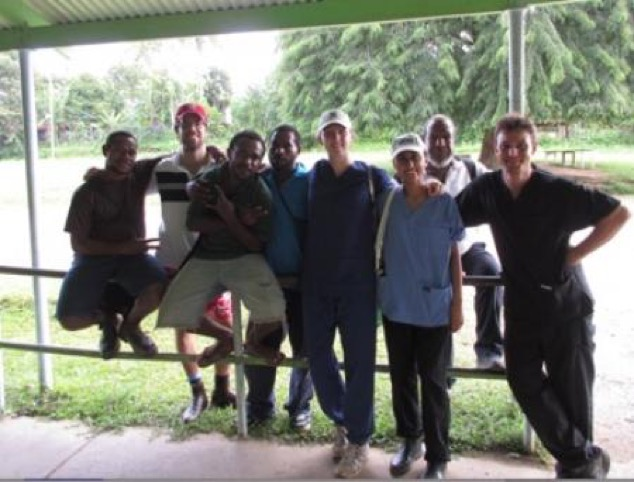 Community Health Worker Students from Rumginae Health School working with Griffith University Medical Students 2015